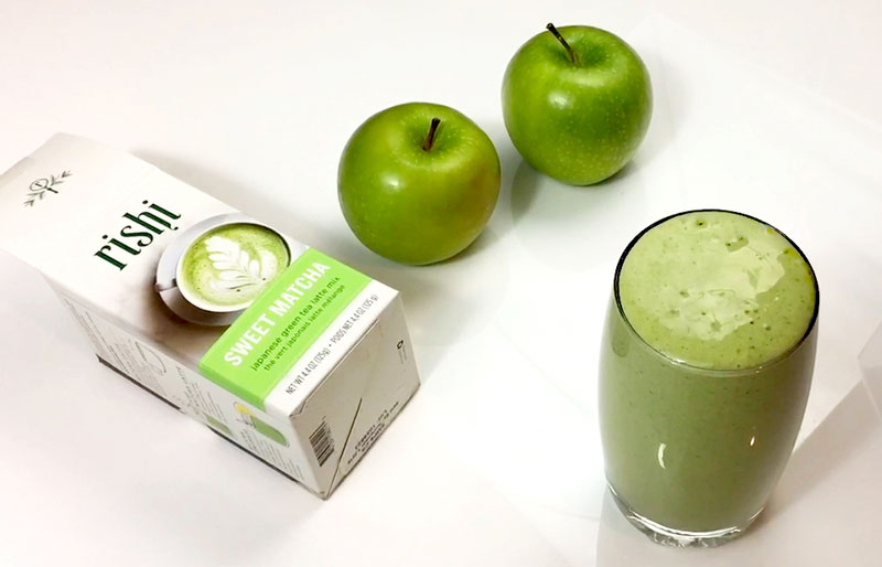 green apple matcha smoothie